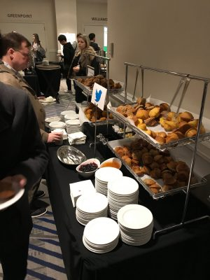 twitterがスポンサーの朝食